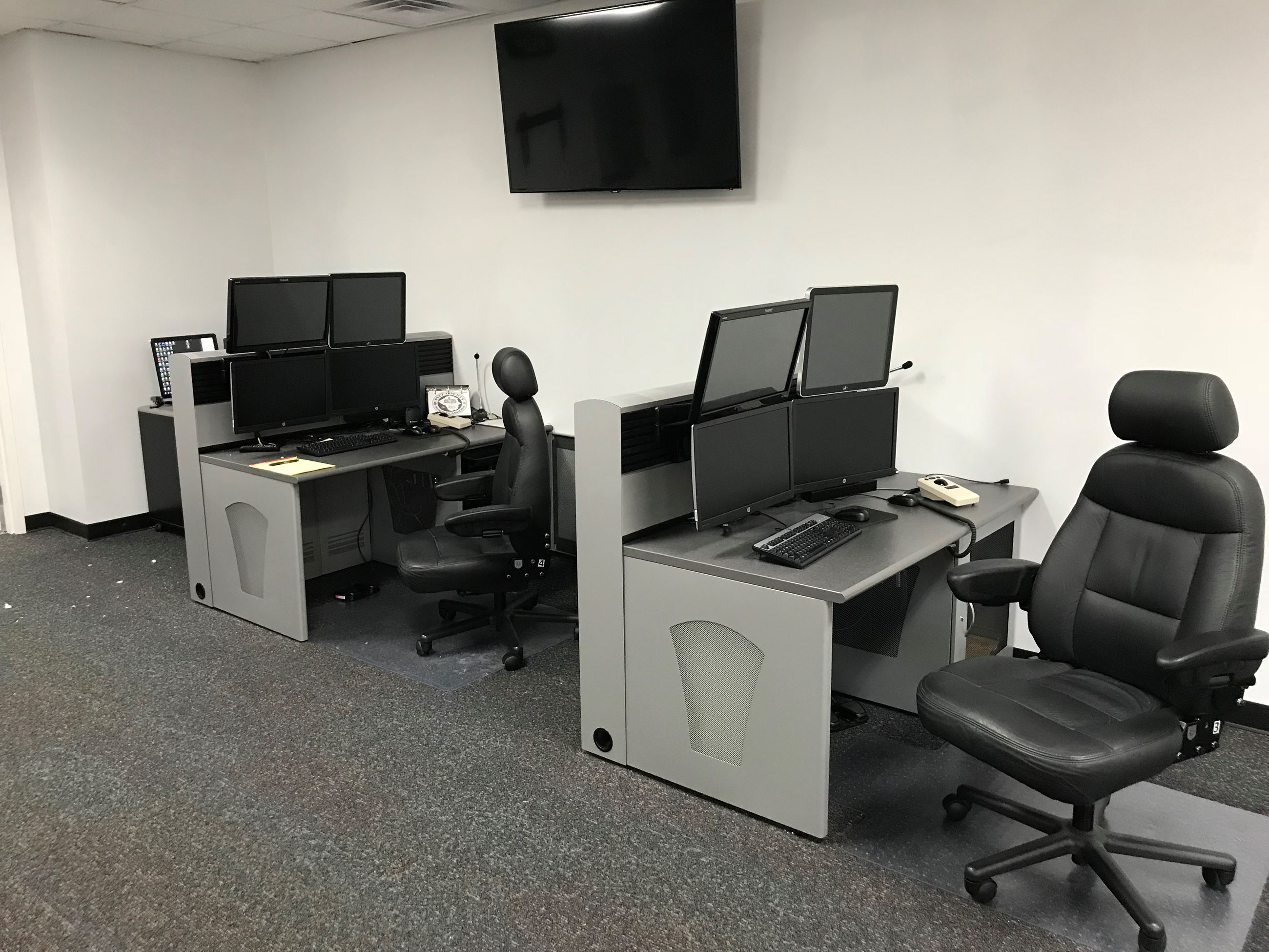 911 Backup Center Consoles 4 monitor